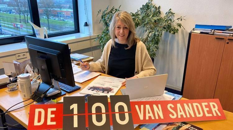 Marleen tekent 100 van Sander TOS